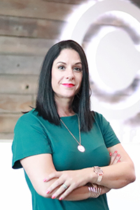 Mitzi Noome : Account Executive