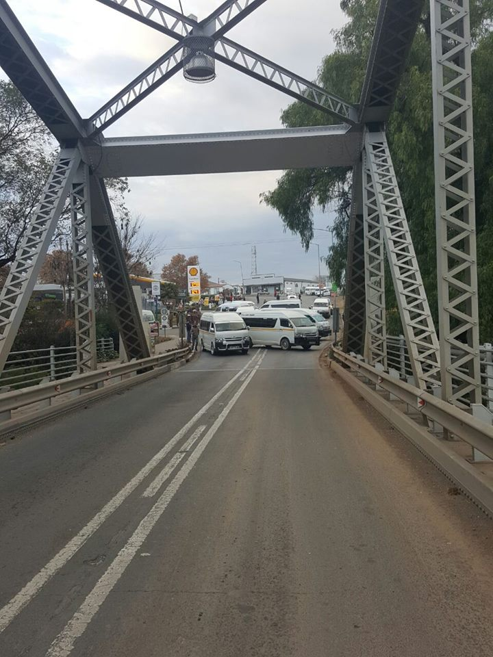 Orange Park Mall >> Two Eastern Cape entrances blocked for the Free State ...