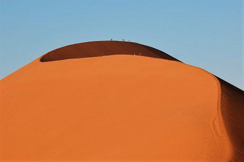 Duin 45 is een van die gewildste duine om uit te klim in Sossusvlei. FOTO: MARICELLE BOTHA