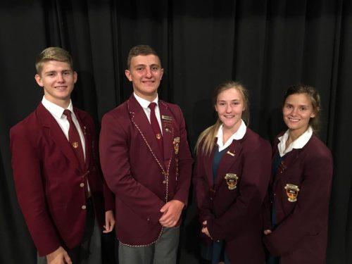 William Bloem (onderhoofleier), Gerhard Fouché (hoofleier), Barenda Aukamp (hoofleier) en Bianca Marais (onderhoofleier) is die 2017-hoofleiers van Hoërskool Sand du Plessis.