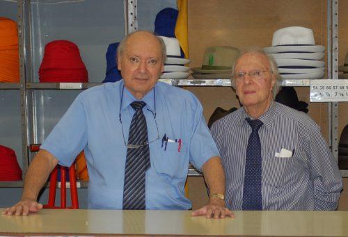 Die besturende direkteur van Awerbuch's, Sefton Mofsowitz, en sy oom, Cecil Rabinowitz. FOTO: MARICELLE BOTHA