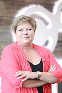 Nettie De Beer : Account Executive